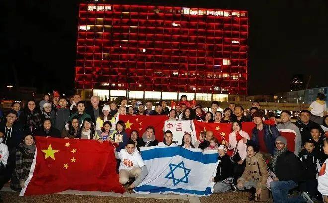 """黄鹤楼不孤单,全球多个地标建筑为中国抗""""疫""""加油"""